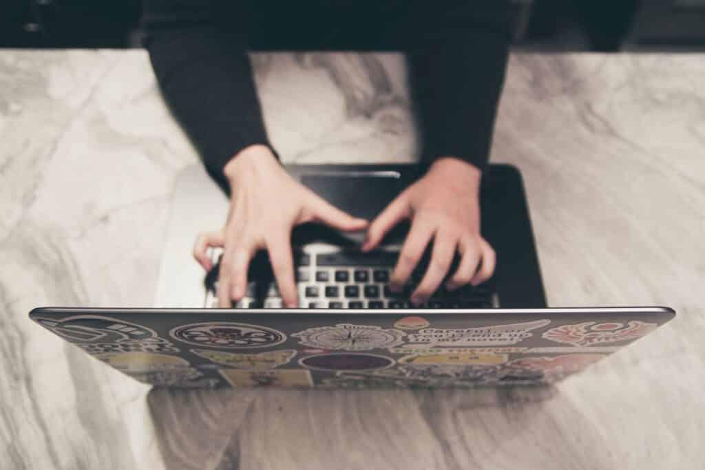 Conociendo gente Online con los chats gratuitos